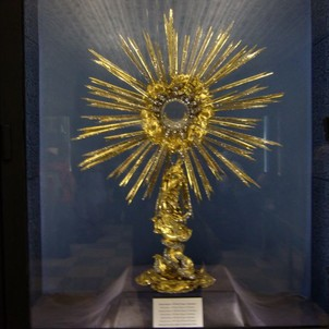 Monstrance s 3 222 diamanty